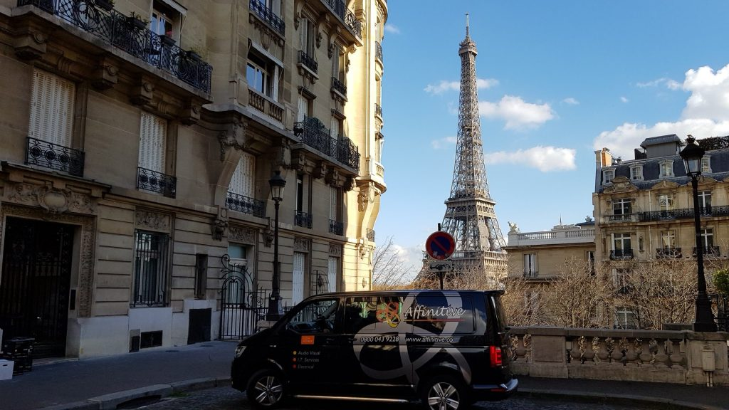 Affinitive van in Paris